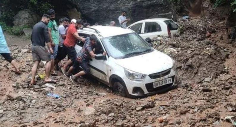 प्रदेश में हो रही भारी बारिश से कई स्थानों पर भारी नुकसान पंहुचा है