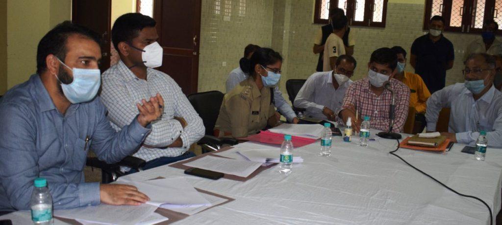 मेले के सफल आयोजन को लेकर आज अतिरिक्त उपायुक्त ऊना डॉ. अमित कुमार शर्मा की अध्यक्षता में यात्री सदन भरवाईं में एक बैठक का आयोजन किया गया।